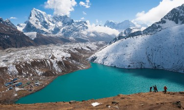 Everest Basecamp Trek via Gyokyo Lake and Cho La Pass