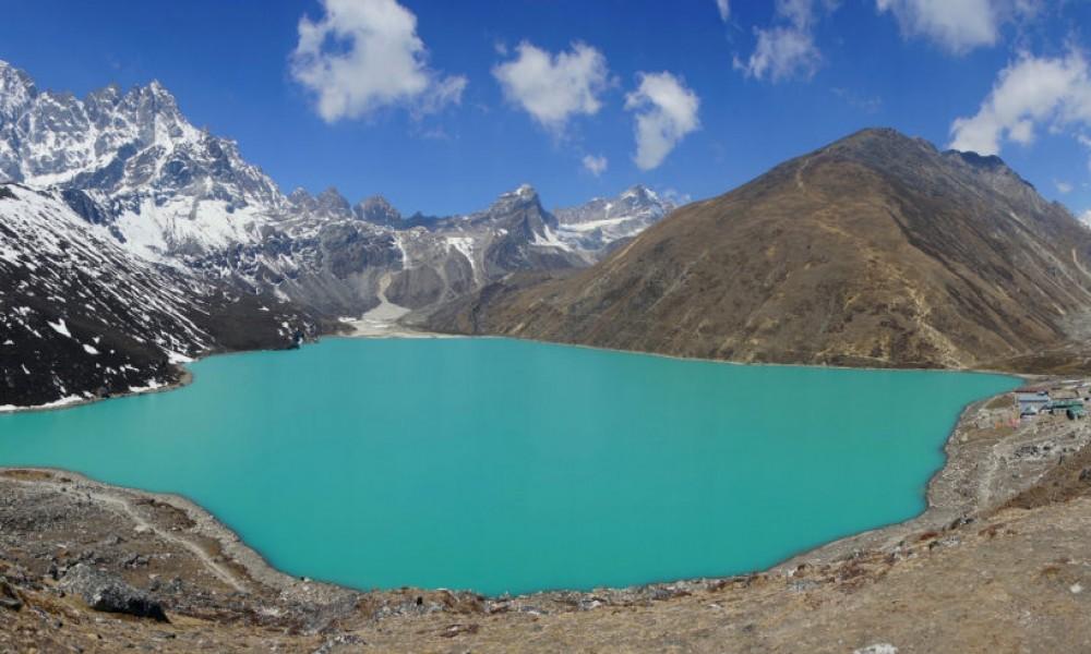 Everest Basecamp Trek via Gyokyo Lake and Cho La Pass